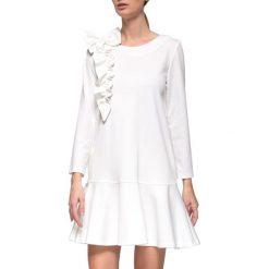 Sukienki balowe: Sukienka w kolorze białym