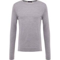 J.LINDEBERG Sweter grey melange. Szare swetry klasyczne męskie J.LINDEBERG, m, z materiału. Za 419,00 zł.
