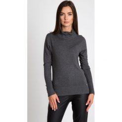 Szary sweter ze ściągaczowym golfem QUIOSQUE. Szare golfy damskie QUIOSQUE, s, z dzianiny. W wyprzedaży za 49,99 zł.