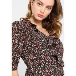 Bluzki asymetryczne: Miss Selfridge Petite DITSY WRAP BLOUSE Bluzka black