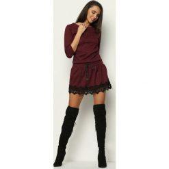Bordowa Sukienka Folklore. Czerwone sukienki mini marki Mohito, l, z weluru. Za 79,99 zł.