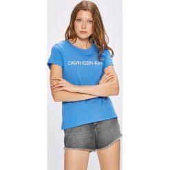 Calvin Klein Jeans - Top. Szare topy damskie Calvin Klein Jeans, l, z nadrukiem, z bawełny, z okrągłym kołnierzem. Za 119,90 zł.
