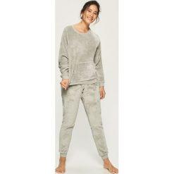 Puszysta piżama w koty - Kremowy. Białe piżamy damskie Sinsay, l. Za 79,99 zł.
