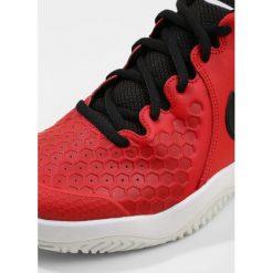 Nike Performance AIR ZOOM RESISTANCE Obuwie multicourt univ red/black/white. Czarne buty do tenisa męskie marki Asics. W wyprzedaży za 269,10 zł.