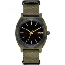 """Zegarek kwarcowy """"Time Teller"""" w kolorze oliwkowo-czarno-antracytowym. Brązowe, analogowe zegarki męskie Nixon, ze stali. W wyprzedaży za 181,95 zł."""