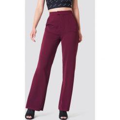 Spodnie damskie: NA-KD Classic Dopasowane spodnie z szerokimi nogawkami - Red