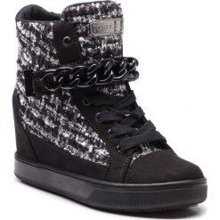 Sneakersy GUESS - FLFL34 FAP12 BLKWH. Czarne sneakersy damskie Guess, z materiału. Za 629,00 zł.
