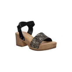 Sandały Tamaris  Sandały skórzane na platformie  1-28036-28. Brązowe rzymianki damskie Tamaris, na platformie. Za 169,99 zł.