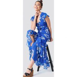 Trendyol Sukienka z falbaną i wiązaniem - Blue. Szare sukienki mini marki Trendyol, na co dzień, z elastanu, casualowe, dopasowane. Za 161,95 zł.