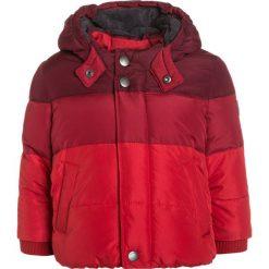 GAP WARMEST PUFFER Kurtka zimowa modern red. Czerwone kurtki chłopięce przeciwdeszczowe GAP, na zimę, z materiału. W wyprzedaży za 148,85 zł.