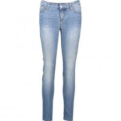 """Dżinsy """"Jasmin"""" - Slim fit - w kolorze błękitnym. Niebieskie jeansy damskie relaxed fit marki Mustang, z aplikacjami, z bawełny. W wyprzedaży za 217,95 zł."""