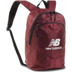 Plecak NEW BALANCE - NTBBAPK8BG Burgundy. Czerwone plecaki damskie New Balance, z materiału, sportowe. Za 99,99 zł.