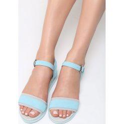 Niebieskie Sandały Imperturbable. Niebieskie rzymianki damskie vices, na płaskiej podeszwie. Za 79,99 zł.