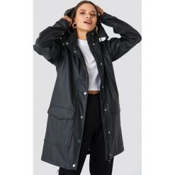 Rut&Circle Kurtka przeciwdeszczowa - Black. Zielone kurtki damskie przeciwdeszczowe marki Rut&Circle, z dzianiny, z okrągłym kołnierzem. Za 202,95 zł.