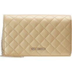 Love Moschino QUILTED CROSSBODY Torba na ramię oro. Żółte torebki klasyczne damskie marki Love Moschino. Za 459,00 zł.