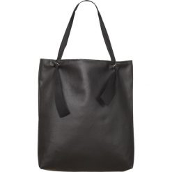 Torba black Ribbon. Czarne torebki klasyczne damskie Pakamera, z bawełny. Za 145,00 zł.