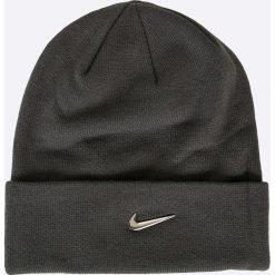 Nike Sportswear - Czapka. Różowe czapki zimowe męskie marki Nike Sportswear, l, z nylonu, z okrągłym kołnierzem. W wyprzedaży za 59,90 zł.