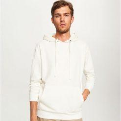 Bluza kangurka z kapturem - Biały. Czarne bluzy męskie rozpinane marki Reserved, l, z kapturem. Za 79,99 zł.