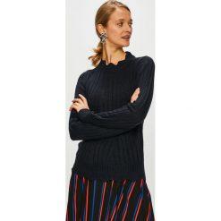 Jacqueline de Yong - Sweter. Czarne swetry klasyczne damskie Jacqueline de Yong, l, z dzianiny, z okrągłym kołnierzem. Za 89,90 zł.