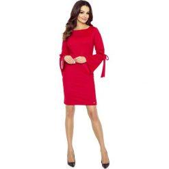 Sukienki: Czerwona Sukienka z Ozdobnym Wiązaniem na Rękawach