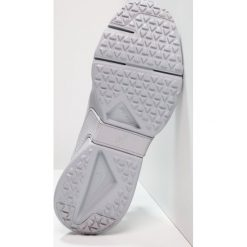 Nike Sportswear HUARACHE RUN DRIFT  Tenisówki i Trampki wolf grey/white. Szare buty sportowe chłopięce Nike Sportswear, z materiału. W wyprzedaży za 356,15 zł.