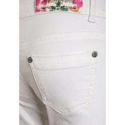 Blue Effect Jeans Skinny Fit white. Białe jeansy dziewczęce Blue Effect, z bawełny. Za 129,00 zł.