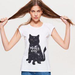 Koszulka z kotem - Biały. Białe t-shirty damskie marki Cropp, l. Za 19,99 zł.
