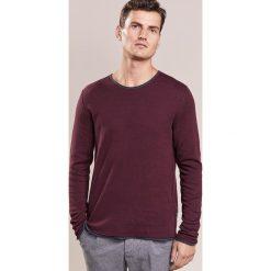 JOOP! Jeans FALK Sweter rot. Czerwone kardigany męskie JOOP! Jeans, m, z bawełny. W wyprzedaży za 519,20 zł.