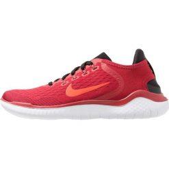 Nike Performance FREE RN 2018 Obuwie do biegania neutralne gym red/bright crimson/black/team red/white. Czerwone buty do biegania męskie marki Nike Performance, z materiału. Za 459,00 zł.