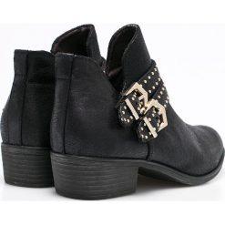 S. Oliver - Botki. Czarne buty zimowe damskie S.Oliver, z gumy, na obcasie. W wyprzedaży za 159,90 zł.