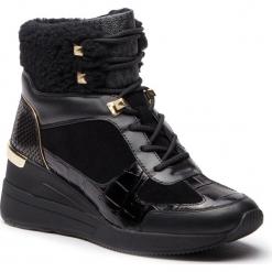 Sneakersy MICHAEL MICHAEL KORS - Liv Bootie 43F8SCFE7S Black. Czarne sneakersy damskie marki MICHAEL Michael Kors, z gumy, przed kolano, na wysokim obcasie. Za 1109,00 zł.