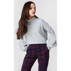 Trendyol Sweter z półgolfem i bufiastym rękawem - Grey. Szare swetry klasyczne damskie Trendyol, z dzianiny. Za 110,95 zł.