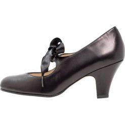 LAB Czółenka sznurowane tibet. Czarne buty ślubne damskie LAB, z materiału. Za 399,00 zł.