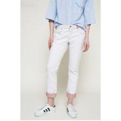 Diesel - Jeansy. Szare jeansy damskie slim Diesel, z obniżonym stanem. W wyprzedaży za 319,90 zł.