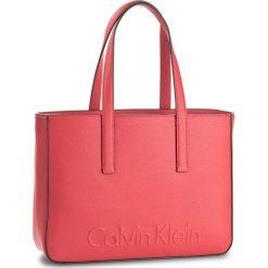 Torebka CALVIN KLEIN BLACK LABEL - Edge Medium Shopper K60K603986 618. Czarne plecaki damskie marki Calvin Klein Black Label, z materiału. W wyprzedaży za 419,00 zł.