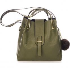 Skórzana torebka w kolorze ciemnozielonym - 38 x 32 x 13 cm. Zielone torebki klasyczne damskie Mia Tomazzi, z materiału. W wyprzedaży za 363,95 zł.