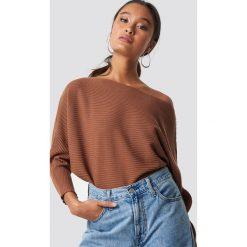 Trendyol Sweter z odkrytymi ramionami - Brown. Szare swetry klasyczne damskie marki Vila, l, z bawełny, z okrągłym kołnierzem. Za 80,95 zł.