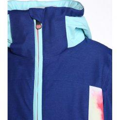 Roxy SASSY Kurtka snowboardowa neon grapefruit/cloud nine. Niebieskie kurtki dziewczęce sportowe Roxy, z materiału, narciarskie. W wyprzedaży za 503,20 zł.