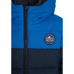 Bench HEAVY Kurtka zimowa blue. Niebieskie kurtki chłopięce zimowe marki Bench, z materiału. W wyprzedaży za 230,45 zł.