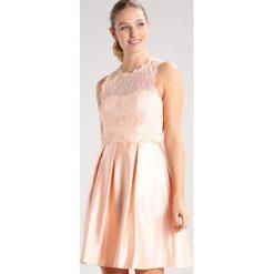 Laona Sukienka koktajlowa soft pink. Czerwone sukienki koktajlowe marki Laona, z materiału. W wyprzedaży za 434,85 zł.