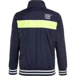 Cars Jeans KIDS FRALL Kurtka Bomber navy. Niebieskie kurtki chłopięce przeciwdeszczowe Cars Jeans, z jeansu. Za 169,00 zł.
