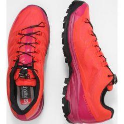 Salomon OUTPATH GTX Obuwie hikingowe poppy red/sangria/black. Szare buty sportowe damskie marki Salomon. Za 699,00 zł.