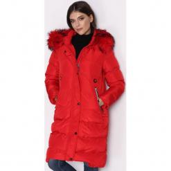 Czerwona Kurtka Take. Czerwone kurtki damskie Born2be, na zimę, l, z nadrukiem, z puchu. Za 159,99 zł.