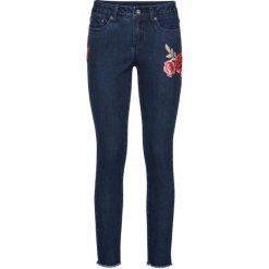 """Dżinsy z naszywkami bonprix niebieski """"stone"""". Niebieskie rurki damskie bonprix, z aplikacjami, z jeansu. Za 129,99 zł."""