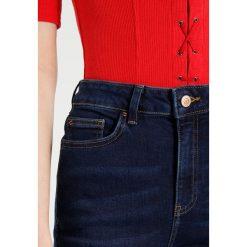 New Look Jeans Skinny Fit rinse. Czarne jeansy damskie marki New Look, z materiału, na obcasie. Za 139,00 zł.