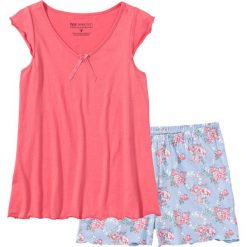 Piżama z krótkimi spodenkami bonprix jasnoróżowy w kwiaty. Czerwone piżamy damskie bonprix, w kwiaty, z krótkim rękawem. Za 49,99 zł.