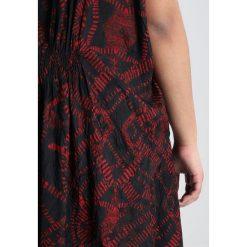 Sukienki hiszpanki: ADIA DRESS LESIA CRUSH PRINT Sukienka letnia chili