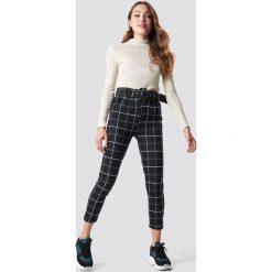 Spodnie z wysokim stanem: Trendyol Spodnie w kratkę - Black