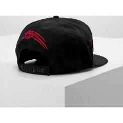 Plein Sport LAVINIUM Czapka z daszkiem black/red. Czarne czapki męskie Plein Sport, z bawełny, sportowe. W wyprzedaży za 663,20 zł.