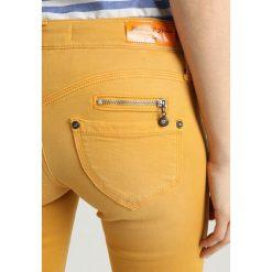 Freeman T. Porter ALEXA CROPPED MAGIC Jeans Skinny Fit sunflower. Pomarańczowe boyfriendy damskie Freeman T. Porter, z bawełny. Za 379,00 zł.